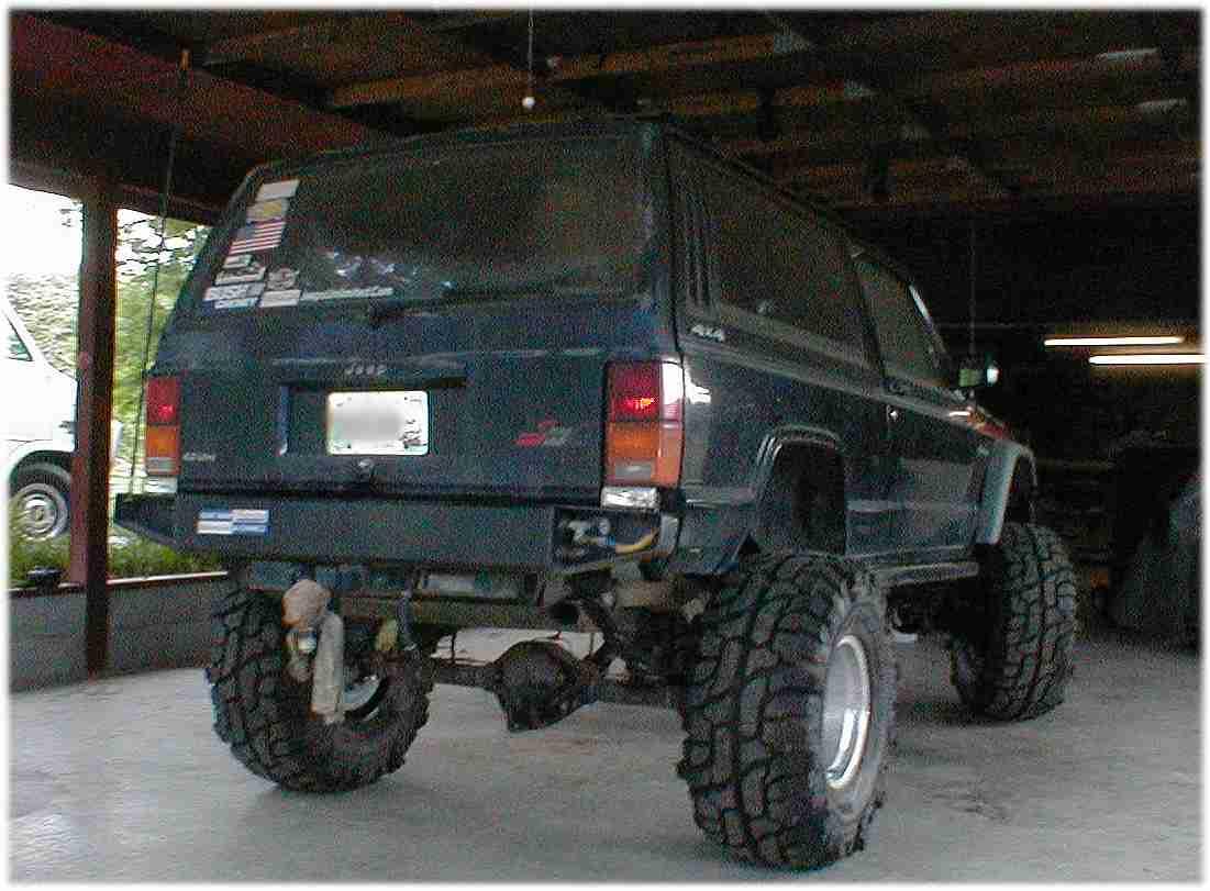 Jeep Cherokee Rear Air Tank Bumper
